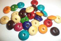 Fa festett,  lencse alakú gyöngyök,  13  mm, vegyes színekben.  290 Ft/cs