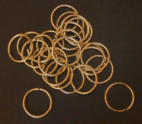 Arany dekorációs karika 2,5 x 30 mm 1100 Ft/ cs (25 db./cs)