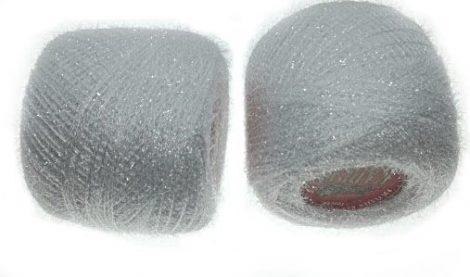 Horgolócérna fehér lurexes, csillogó, szőrös. 20 gr/gombolyag. 400 Ft/db
