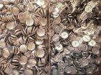 Gombalap fém alappal, kárpitos gomb, bucni,  40-es méretben. 70 Ft/pár ( 100 db / csomag,)